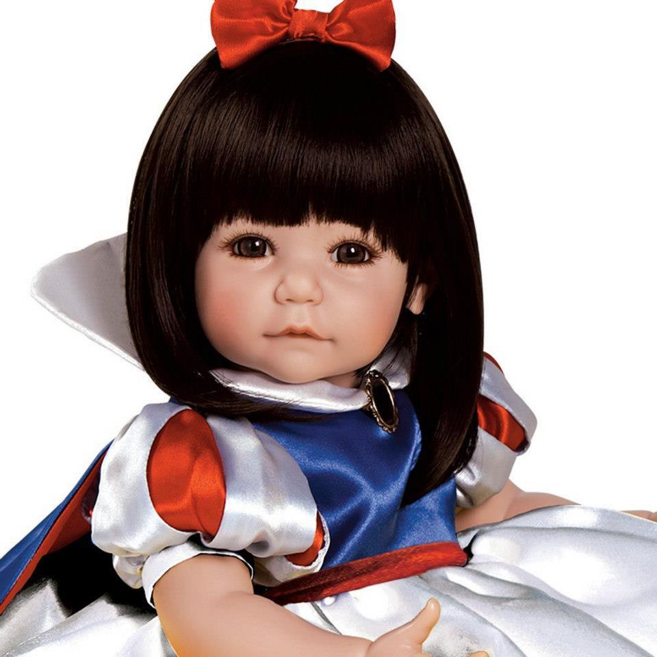 ตุ๊กตาอโดรา / Snow White