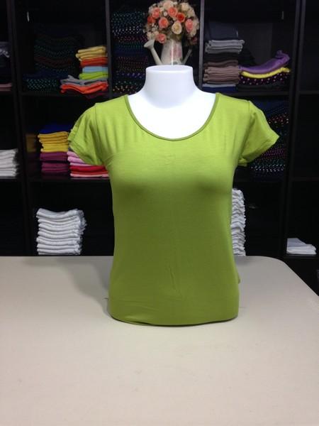 """เสื้อยืดคอกลม สีเขียวแอปเปิ้ล size """"M"""""""