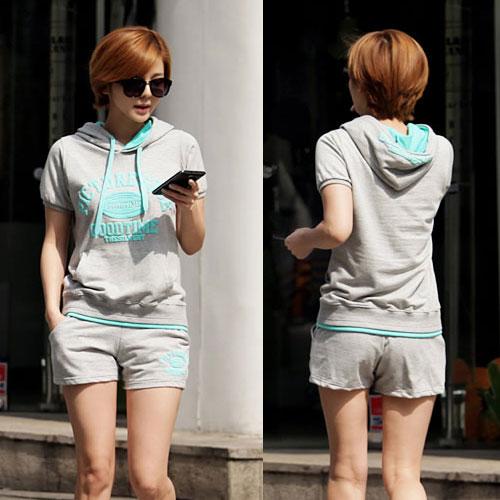 ++สินค้าพร้อมส่งค่ะ++ Sport set เกาหลี เสื้อแขนสั้น มี hood แต่งสองสี สกรีนด้านหน้า Goodtime+กางเกงขาสั้น – สี เทา