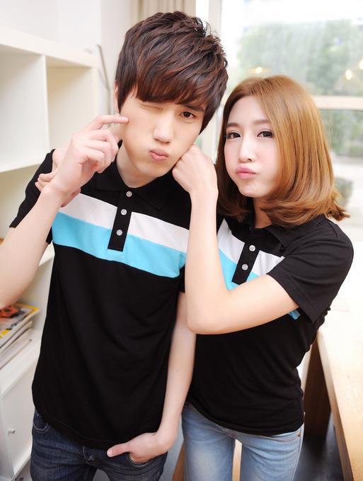 Pre Order ชุดคู่รักเกาหลี เสื้อโปโลแขนสั้น แต่งแถบสีตาดหน้าอก <มี4สี>
