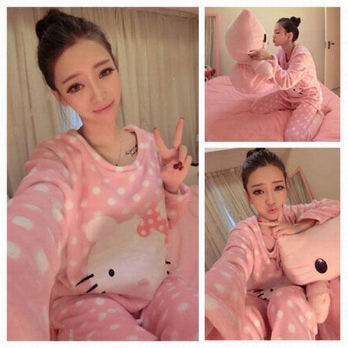 ++สินค้าพร้อมส่งค่ะ++ ชุดนอน เสื้อคอกลม แขนยาว ด้านหน้าลาย Kitty น่ารัก+กางเกงขายาวน่ารัก ผ้านิ่มมากๆ ค่ะ – สีชมพู