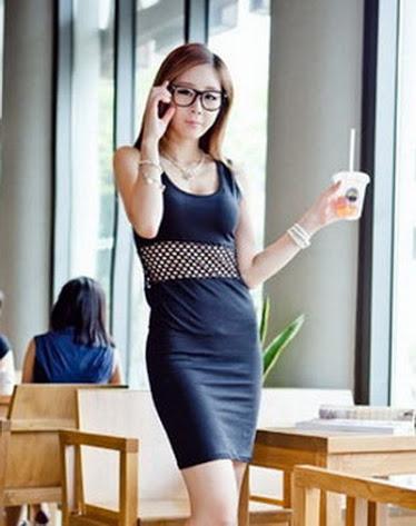 ++สินค้าพร้อมส่งค่ะ++ชุดเดรสแฟชั่นเกาหลี เดรสแขนกุด แต่งสลิมตาข่ายเซ็กซี่ฉลุ - สีดำ