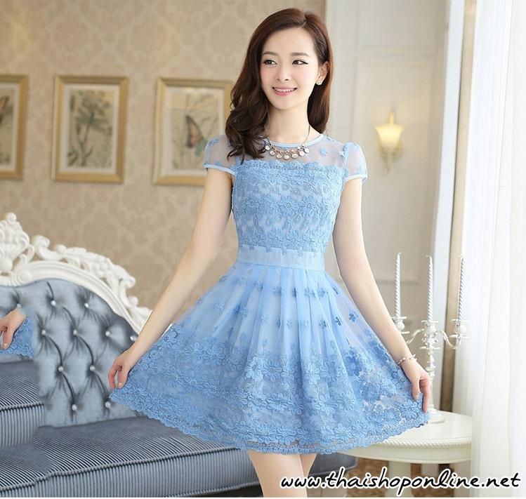 ชุดเดรสเกาหลี ผ้าไหมแก้ว สีฟ้า ปักด้วยด้ายลายดอกไม้ มีซับใน สวยมากๆ
