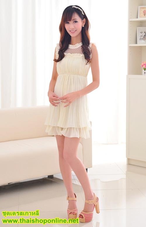 ชุดเดรสสั้น แฟชั่นเกาหลี น่ารัก สีเบจ ผ้าซีฟอง+ผ้าตาข่าย คอกลมระบาย แขนกุดระบาย เอวยืด กระโปรงอัดพลีท น่ารักๆ สวยมากๆ ครับ thaishoponline พร้อมส่ง