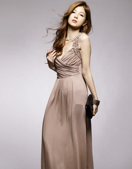 ชุดเดรสยาว MAXI DRESS - เดรสยาว ออกงาน สีน้ำตาล คอวี ผ้าคอตตอน เซ็กซี่ ใส่ออกงานสวยมากๆ (พร้อมส่ง)