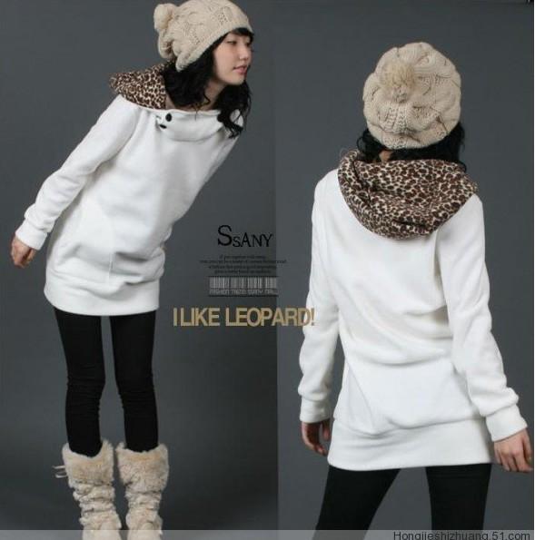 เสื้อกันหนาวแฟชั่นสไตล์เกหลี หมวกลายเสือดาว สีขาว