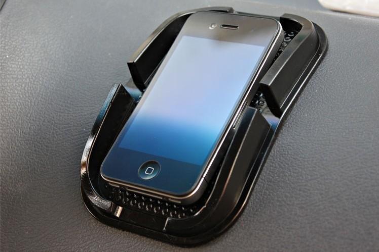 ซิลิโคนกันลื่น วางโทรศัพท์มือถือ สีดำ (ช่องวางขนาด 7x12CM)