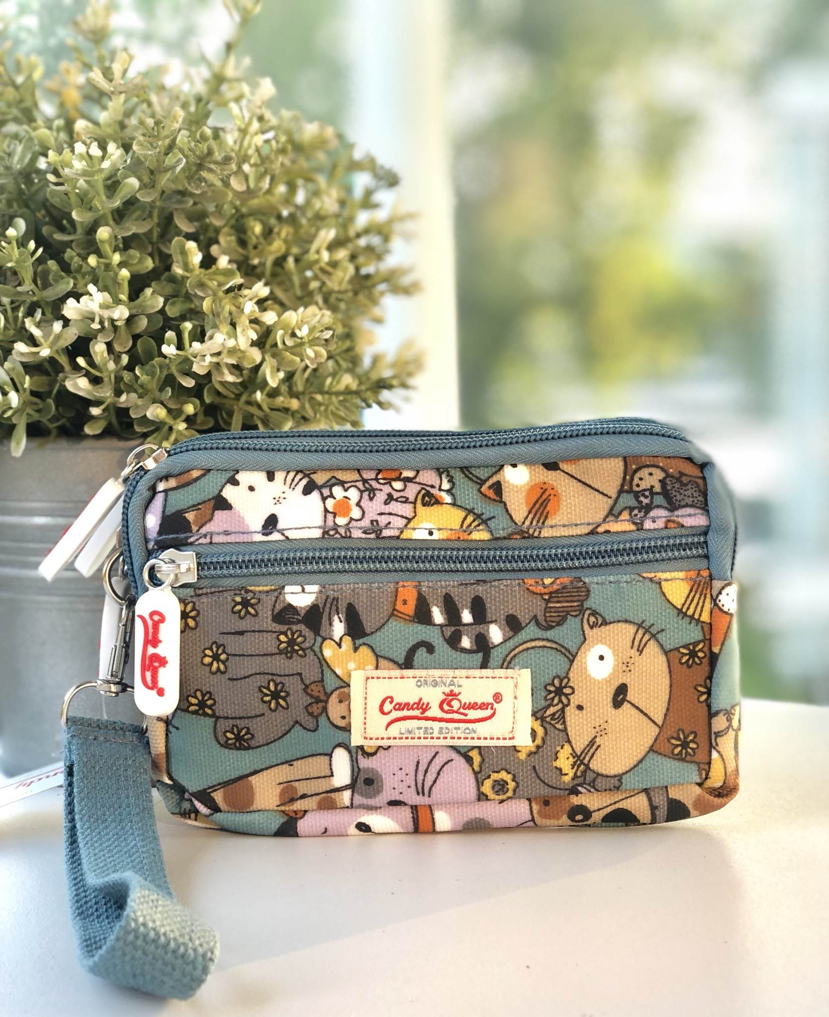 กระเป๋า5ือคล้องมือ 3 ซิป + 1 ซิปหน้า