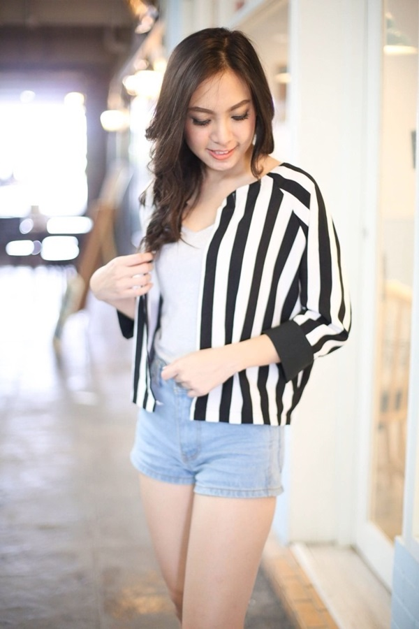 Chic Black n White Striped Jacket